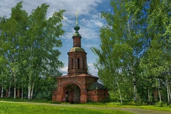 Церковь Иоанна Предтечи: исторический памятник XVII века в Ярославле
